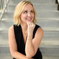 Headshot photo of Vivien Treacy
