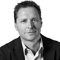 Headshot photo of Ronald van Loon