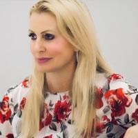 Headshot of Sarah Richardson