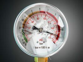 vacuum pressure gauge with a broken glass