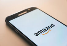mobile phone showing the amazon loading app screen