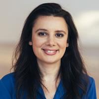 Headshot of Founder and CEO Melanie Aronson