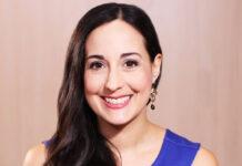 Headshot of Emmy-winning television producer Paula Rizzo